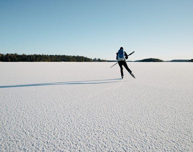 Lake Båven - #iceskating #ice #winter #lake #frozen #wintersport #outdoor #outdoors #nature #white #vinter #weather #sky #is #långfärdsskridskor #skridskor #snö #vintersport #friluftsliv #fjärd #sjö #utomhus