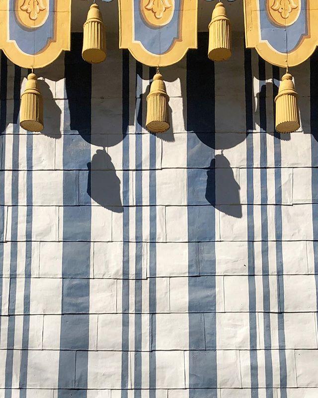 The guard's tent at the Chinese pavillion, Drottningholm. - #kinaslott #drottningholm #18thcentury #tent #architecture # #arkitektur #bleckplåt #1700tal
