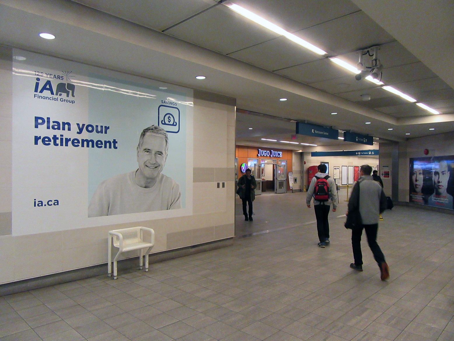 Affichage / Quai de métro / Vancouver