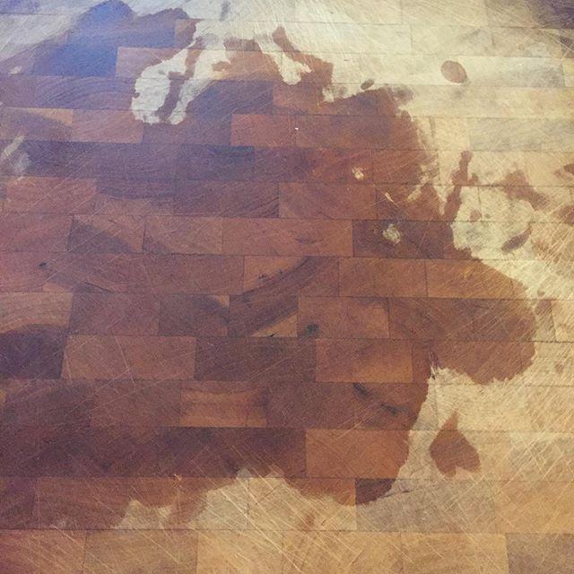 Another great cutting board moment. #iseefaces #iseefacestoo #thepareidoliaproject #pareidolia #creativethinking #seeingthings