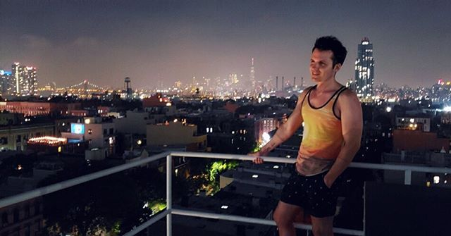 Happy July 4th on July 5th 🎆🌃🎇 📸 @alexbarbosa08 • • • • • • • • • #city #skyline #nyc #newyorkcity #newyork #brooklyn #greenpoint #rooftop #fireworks #tanktop #nightsky #stars #gay #july4th