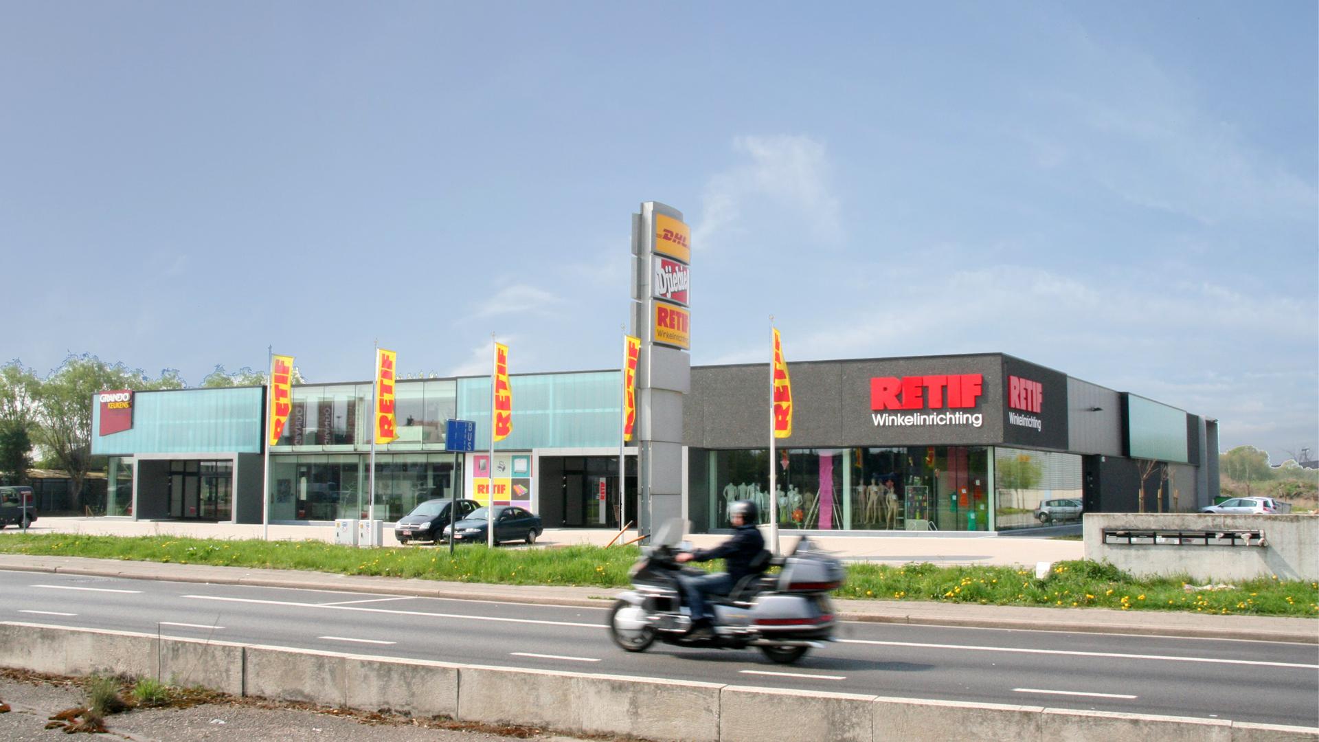 Vlucimmo, retail stores, Aartselaar, Belgium