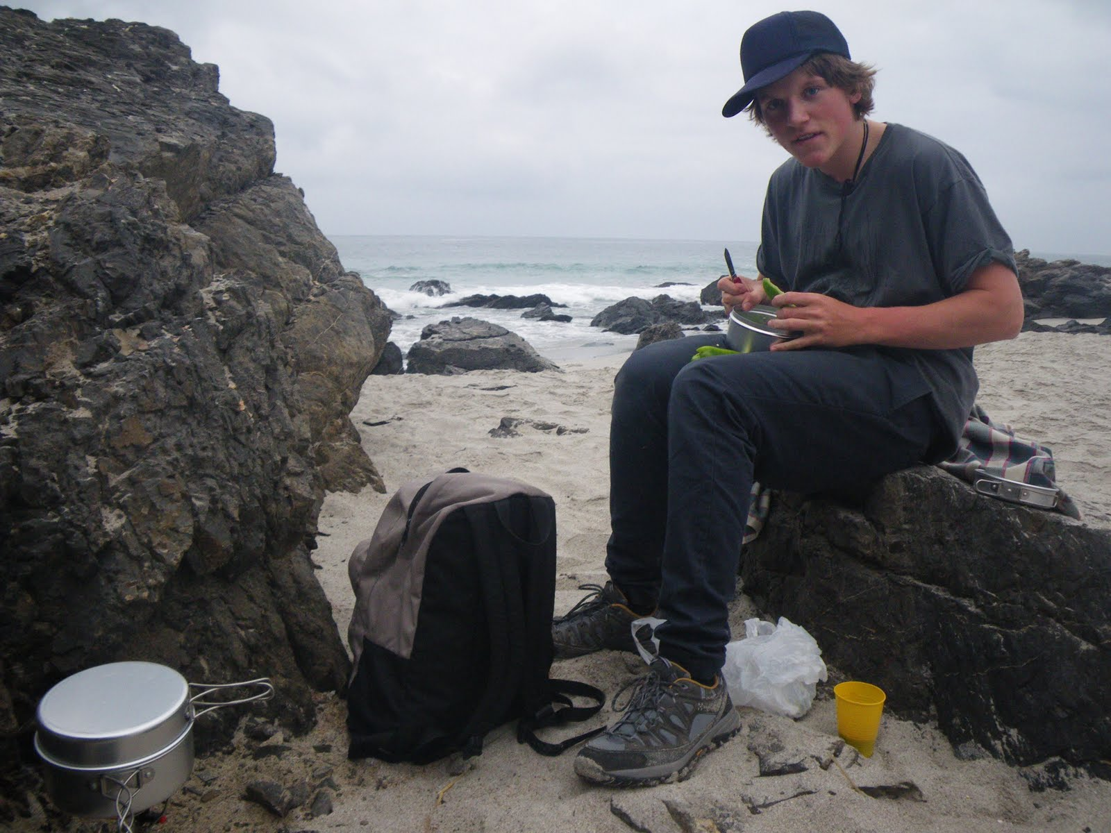 Cooking at the beach in the north of Chile