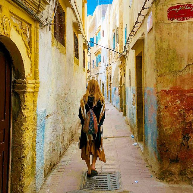 🦑Essaouira, Morocco🦑 January, 2018 Went to Essaouira - without getting admitted to the hospital this time ✌🏻 . . . . . . . 📸 @gnargrimeslop @tamarahhansen #travelblogs #travelcouples #traveldames #travelgirl #travelescape #travelmoreworryless #longdistancerelationships #wonderlust #wanderlust #travelbloggers #travelblogger #travelfun #travelphotography #bestoftravel #travelcouplelife #travelcouplegoals #couplestravel #travelcouple #travelportrait #wanderlost  #essaouira #morocco #africa