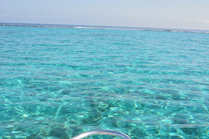 Approaching the Reef in Grand Cayman for snorkelling