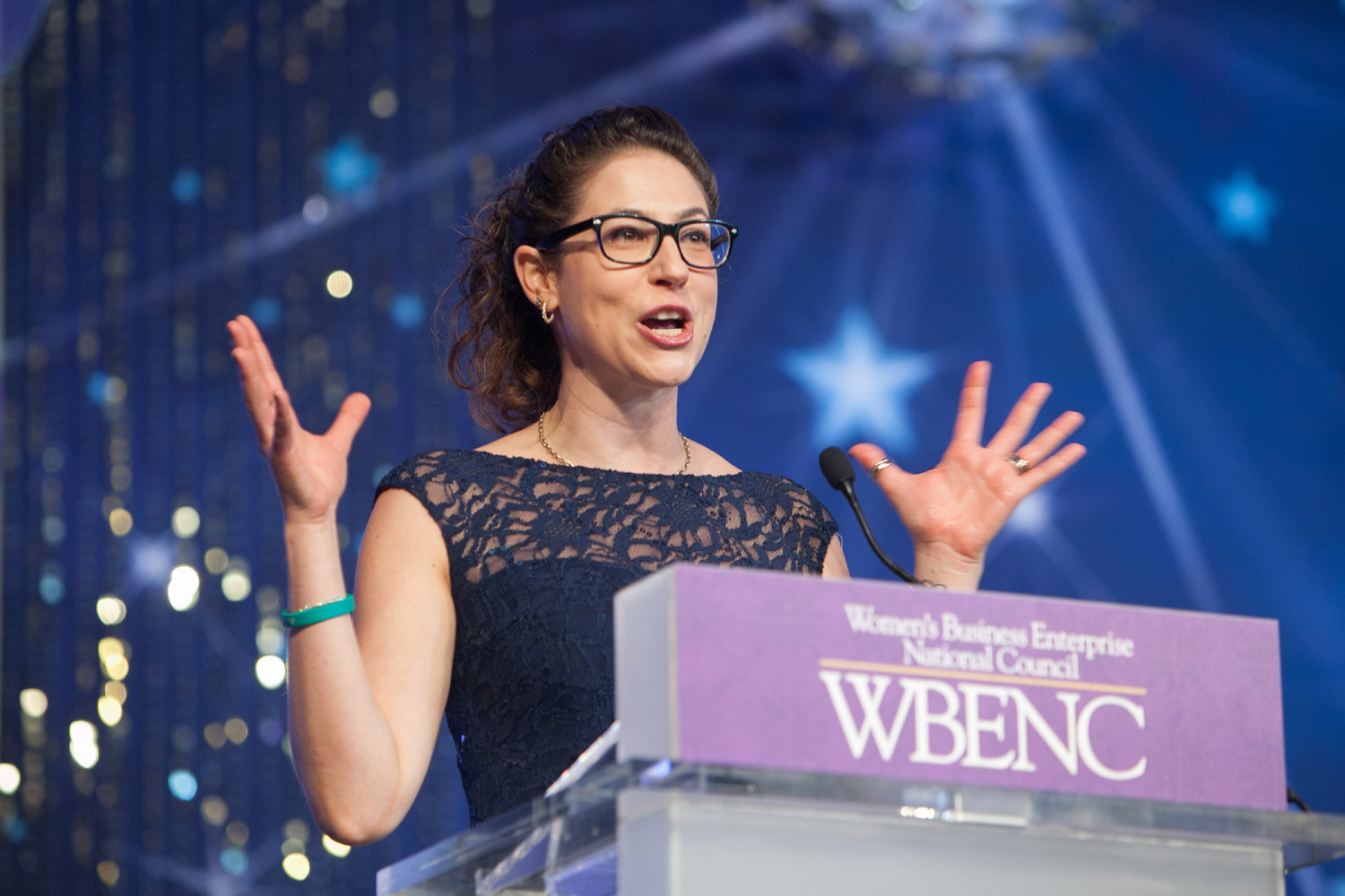 Ya-El addresses the audience at the 2016 WBENC Tribute dinner during the National Conference & Business Fair.