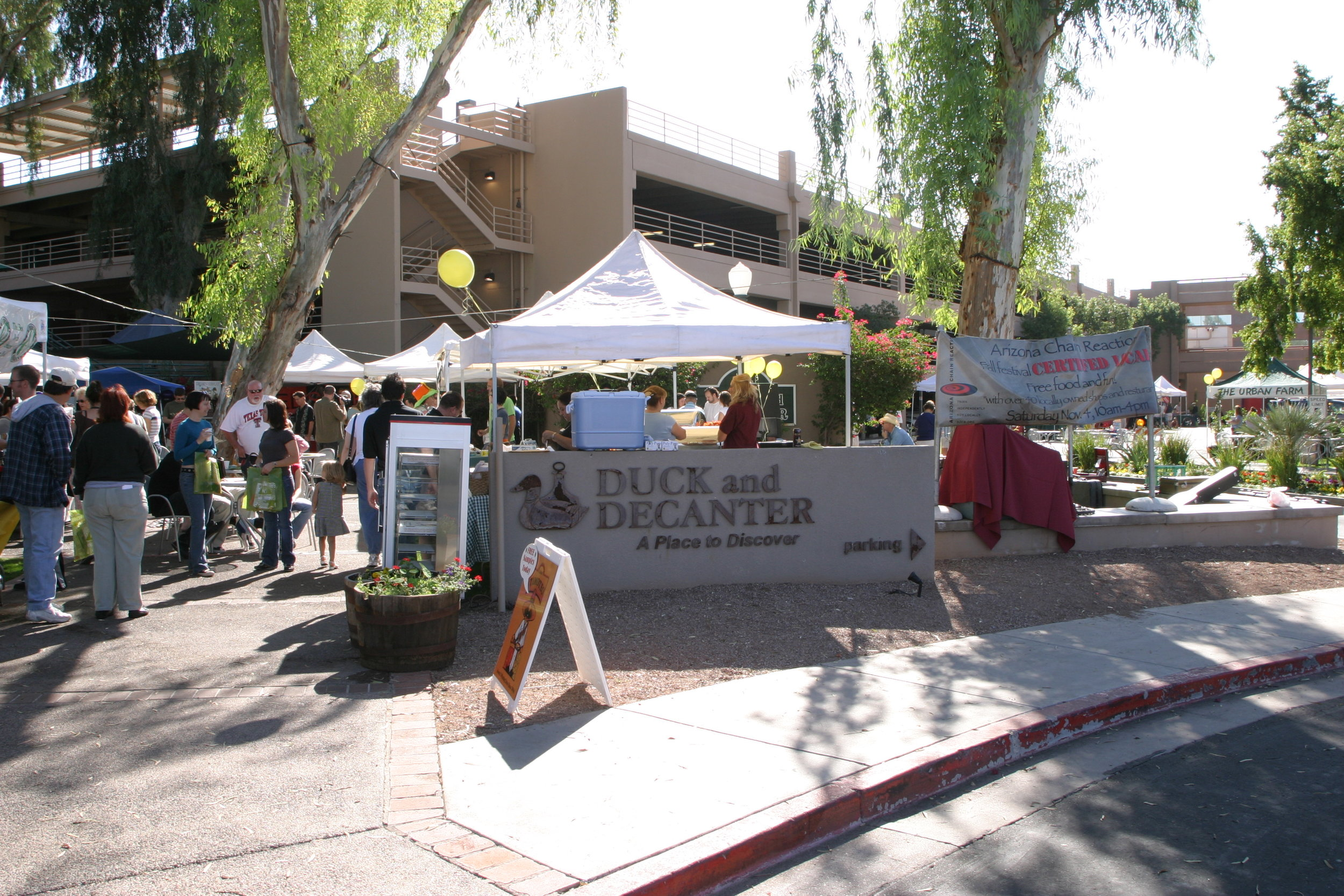 2005: First Certified Local Fall Festival held at the Duck and Decanter in Phoenix.