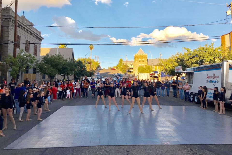 Entertainment at the September 2017 Alive After Five, Chamber Mixer
