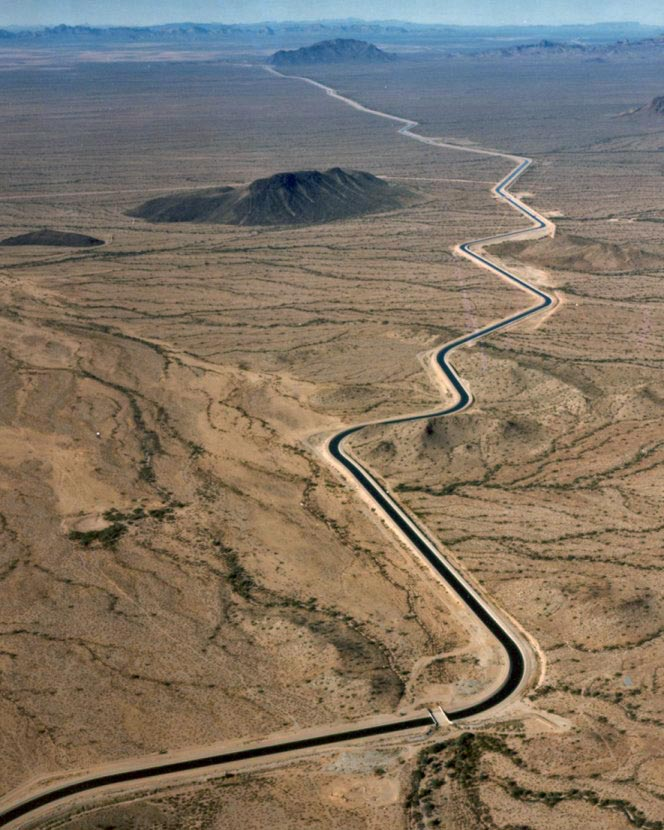 Arizona_cap_canal.jpg