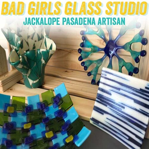 https://www.facebook.com/glassgirlsstudio/