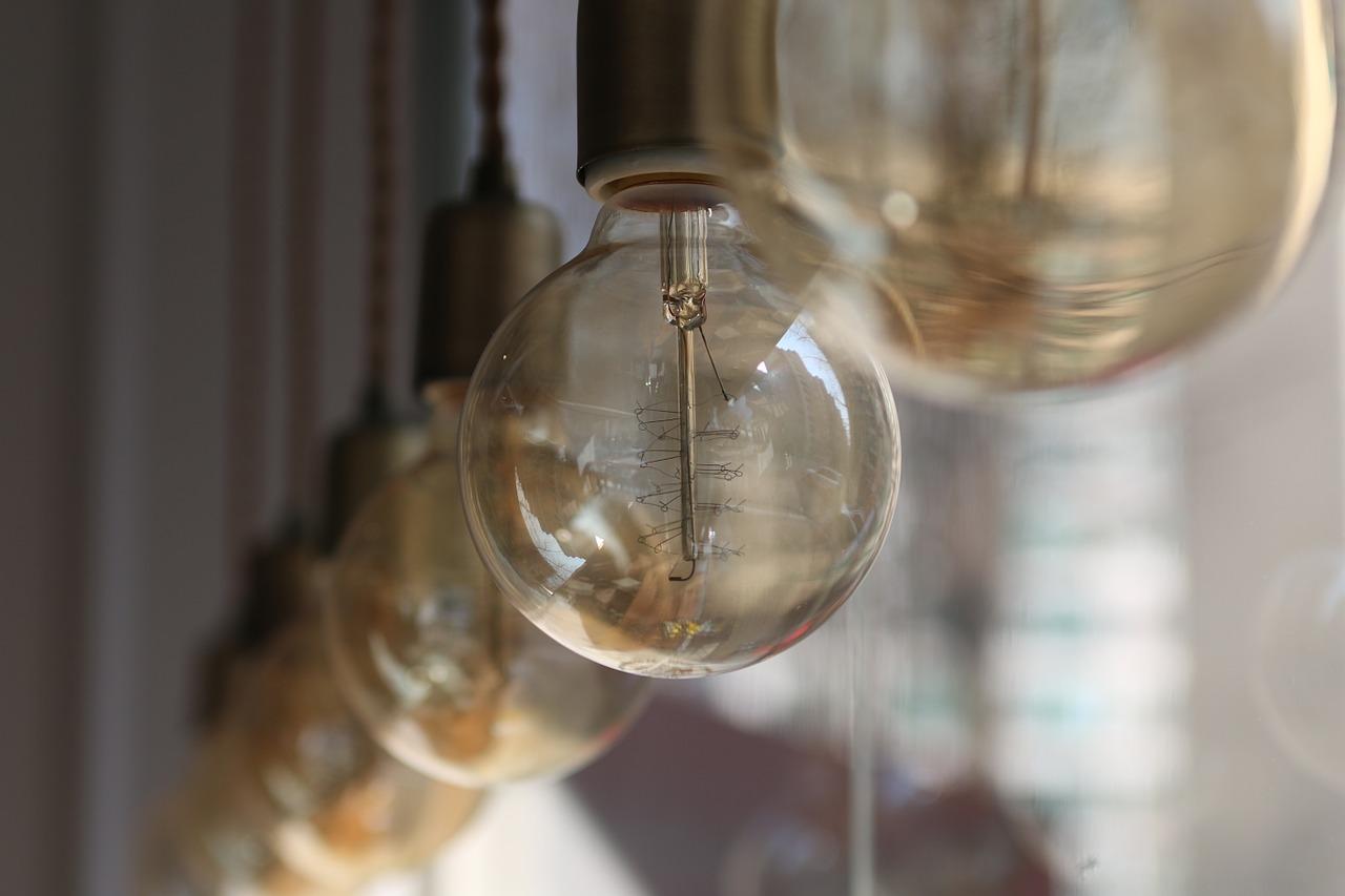 light-bulb-743965_1280.jpg