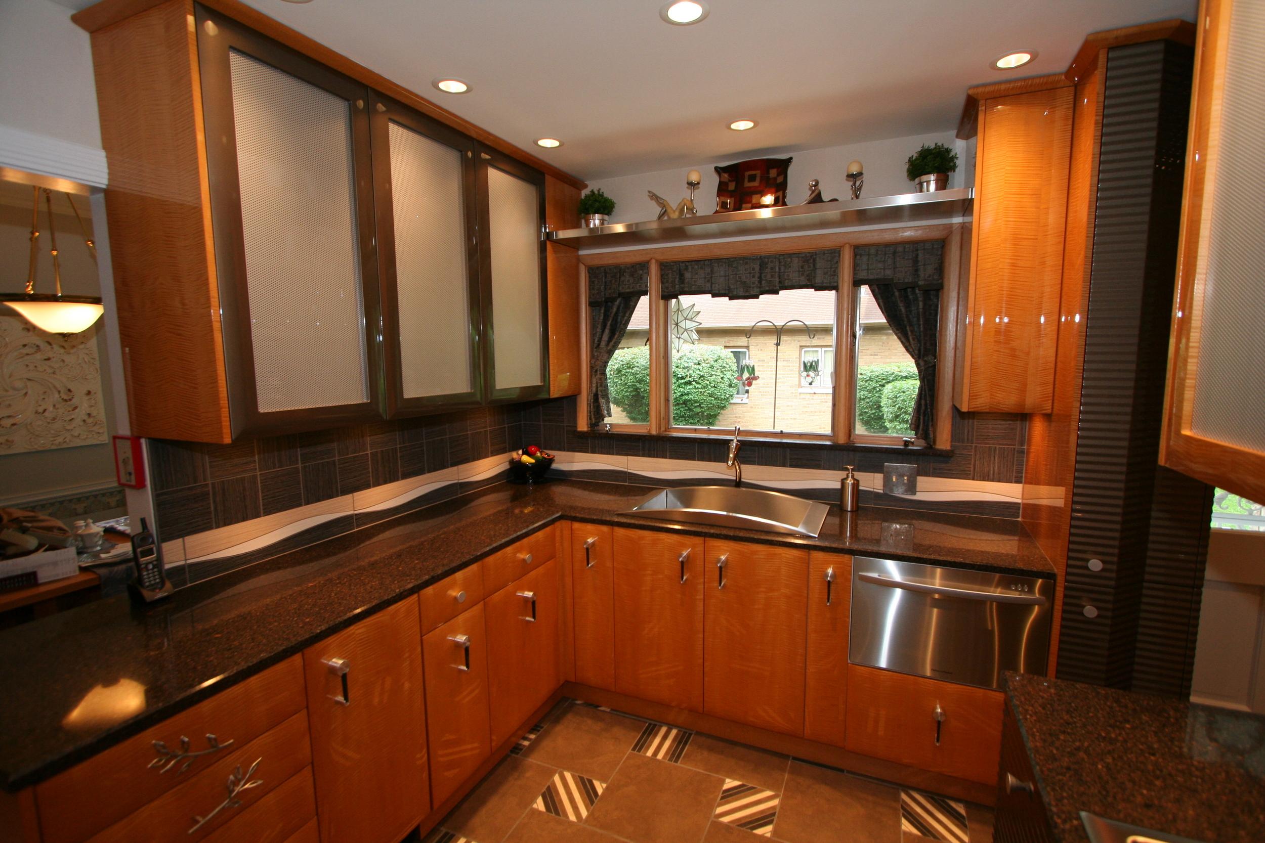 kitchens w McCreary kitchen 2.jpg