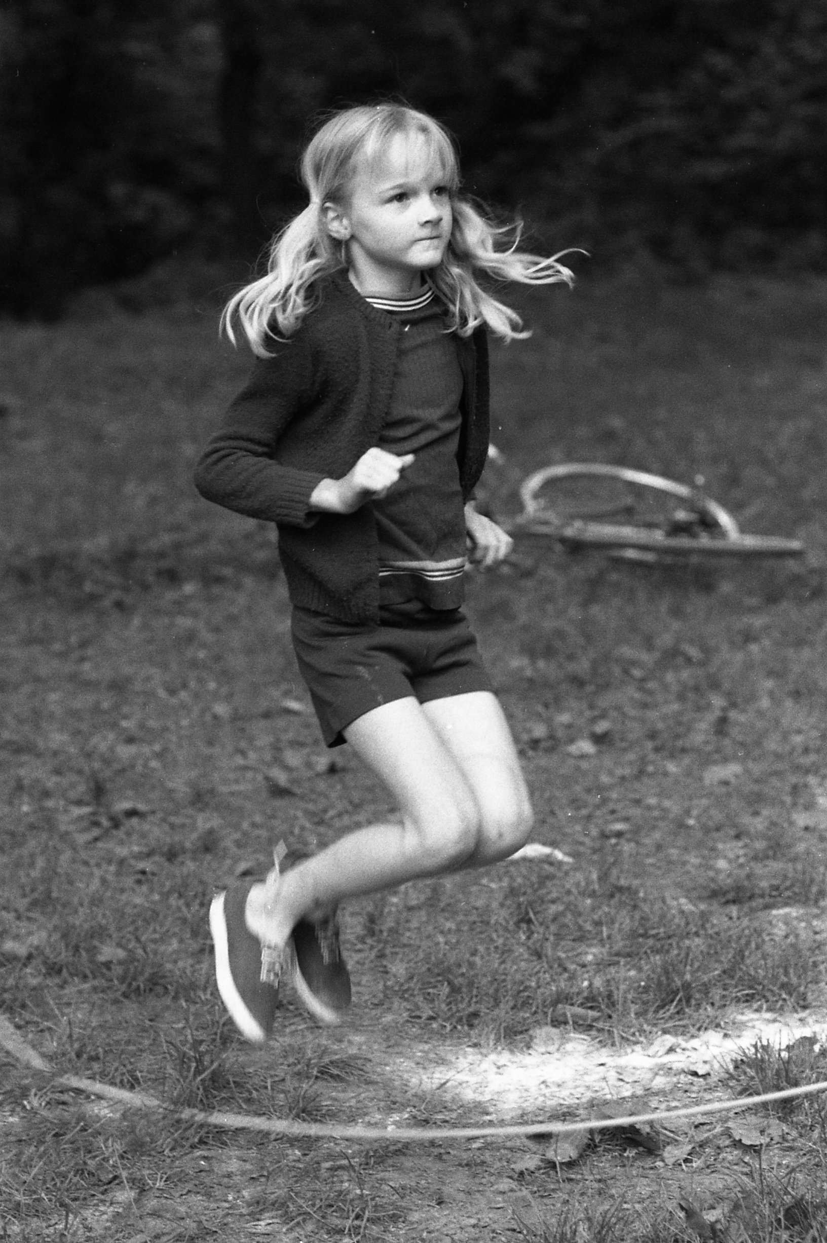 Picture 05: Ingrid Embree believes the girl jumping rope is Ellen Perry.
