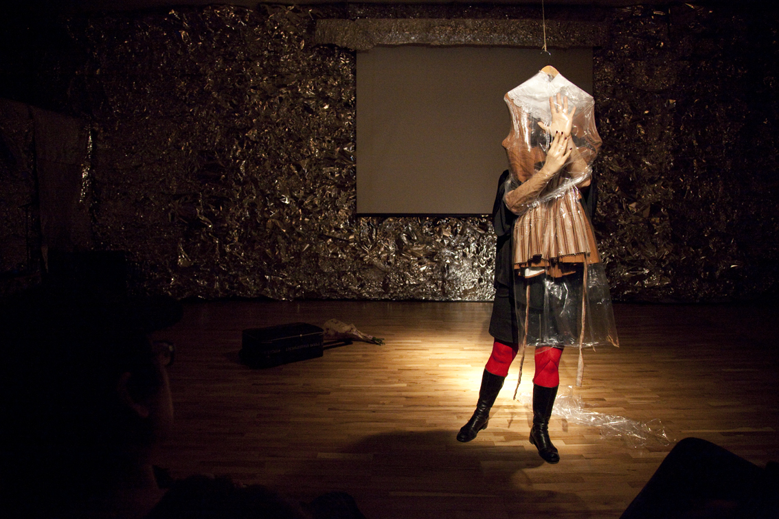 Šaty by Maria Fernanda Hubeaut.