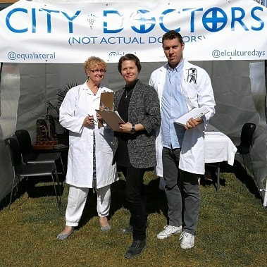 City Doctors (not actual doctors) were back today to help Torontonians troubleshoot their urban ailments at two of their pop-up clinics. @lakeshorearts #culturedays
