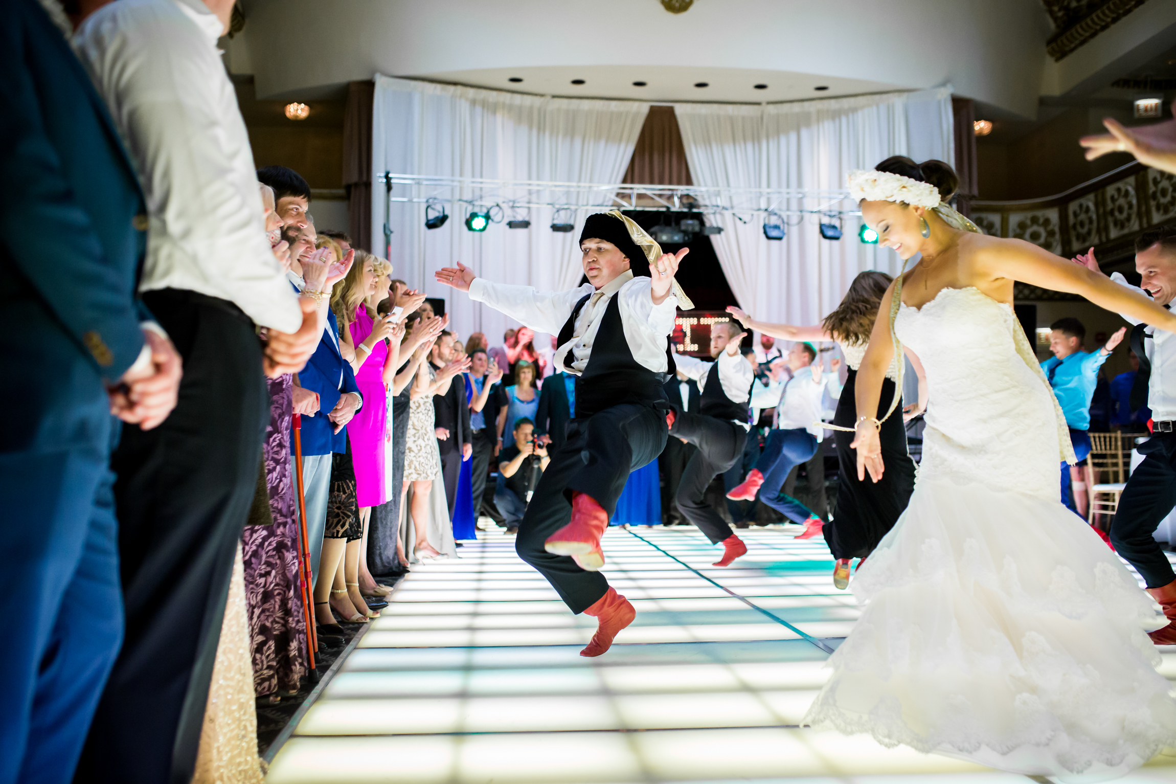 Ukrainian-dancing-wedding-photography