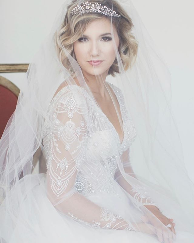 Happy wedding day Christina, you are the sweetest and most beautiful bride!  Συγχαρητήρια. Σας ευχόμαστε όλη την ευτυχία του κόσμου  Makeup| @becca_makeup_art Photography| @clairerhodesphotography