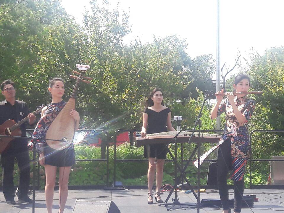 Taiwanese band Liu Sheng Ji (留聲姬),