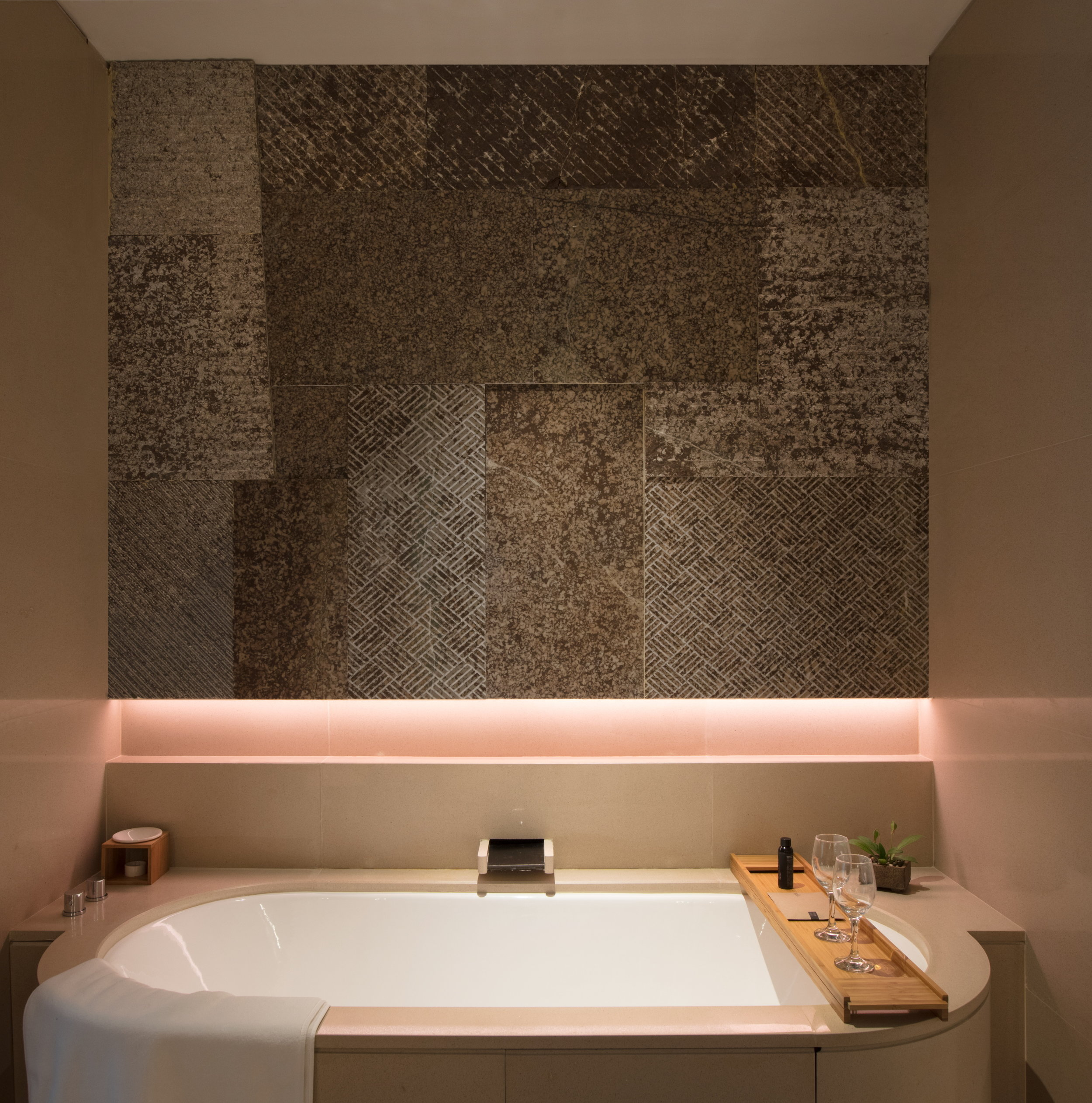 Alila Yangshuo - Accommodation - King - Bathroom.JPG
