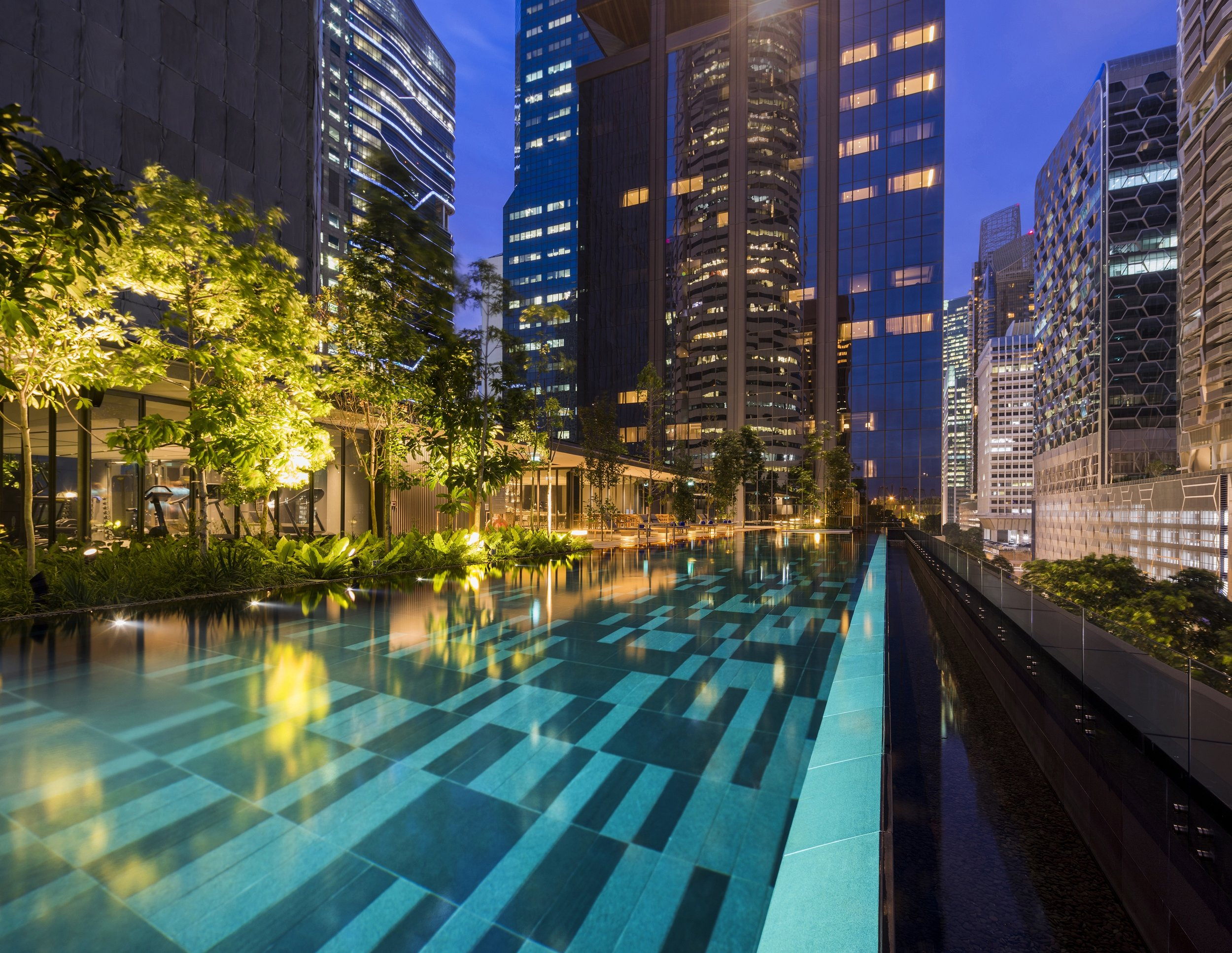 Outdoor Infinity Pool 2.jpg