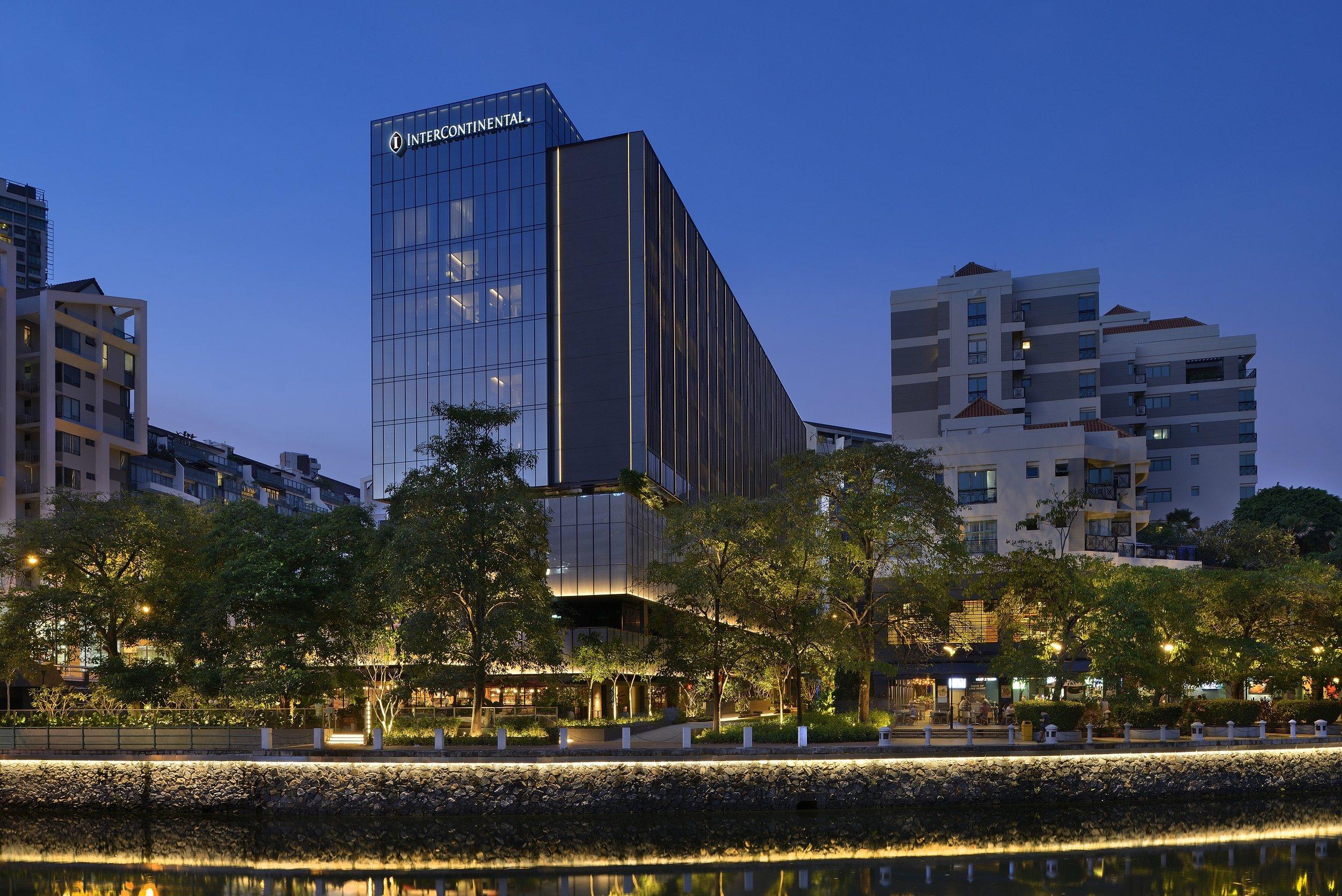 Hotel Facade_River.jpg