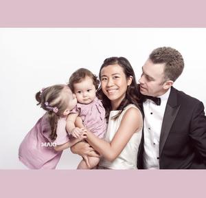 Chụp ảnh gia đình do MAKI Baby thực hiện.