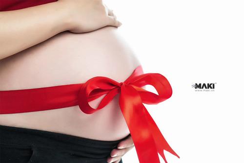 Chụp ảnh mẹ bầu. Ảnh: MAKI Baby.