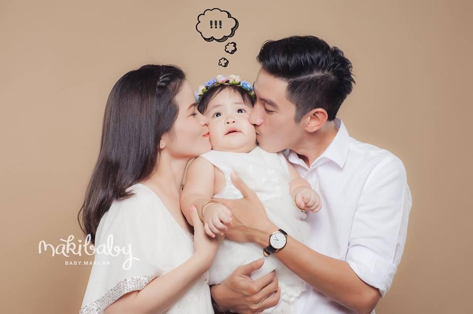 Chụp ảnh gia đình và bé yêu. ẢNh: MAKI Baby