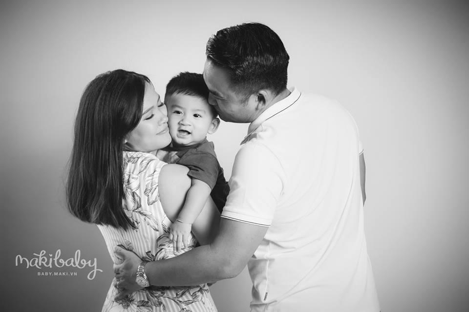 Chụp ảnh gia đình. Ảnh: MAKI Baby