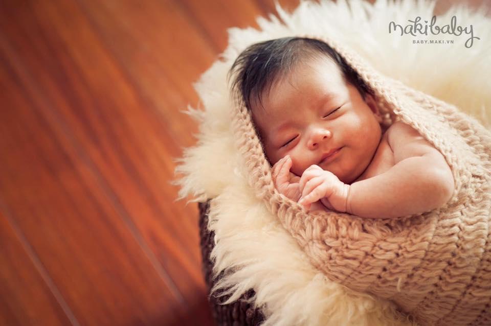 Chụp ảnh cho bé sơ sinh.