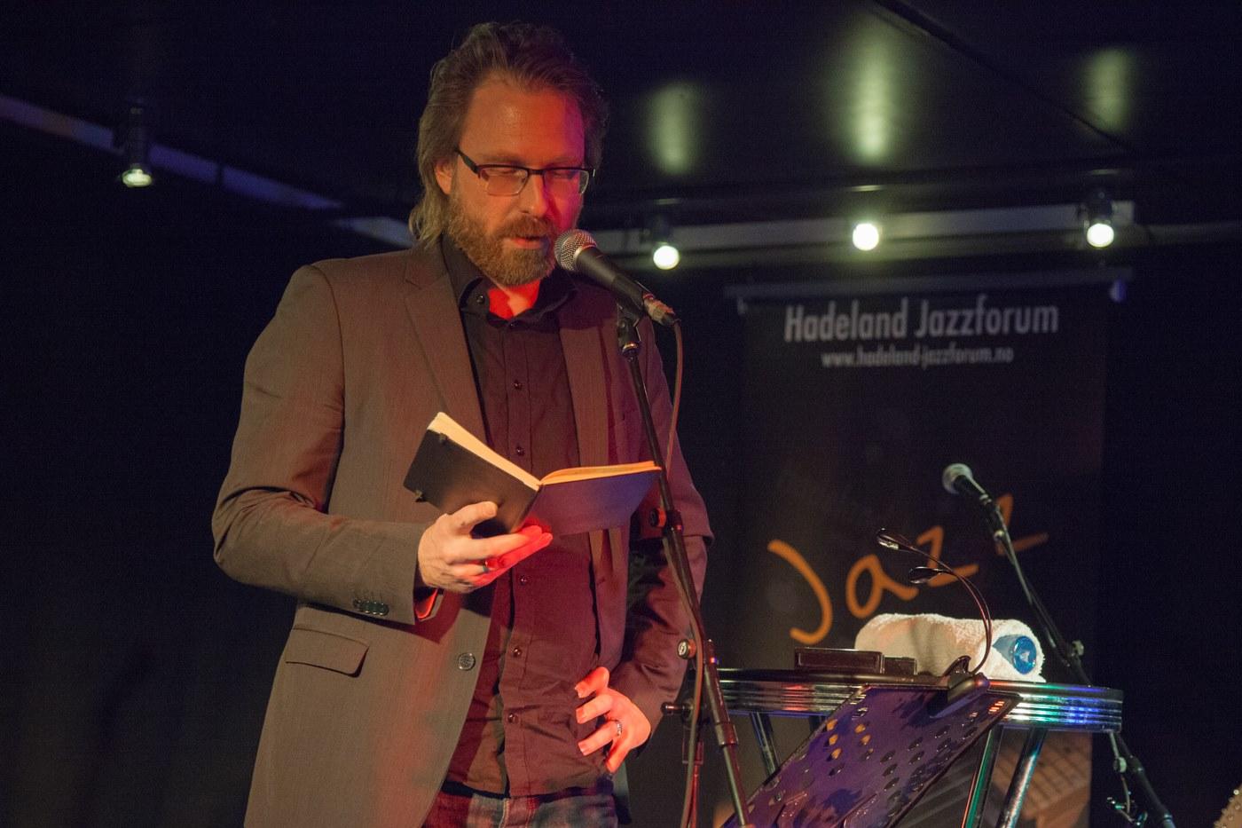 Leif Høghaug hadde lynforedrag om Håvard Rem.                                                                Foto: Terje Pettersen