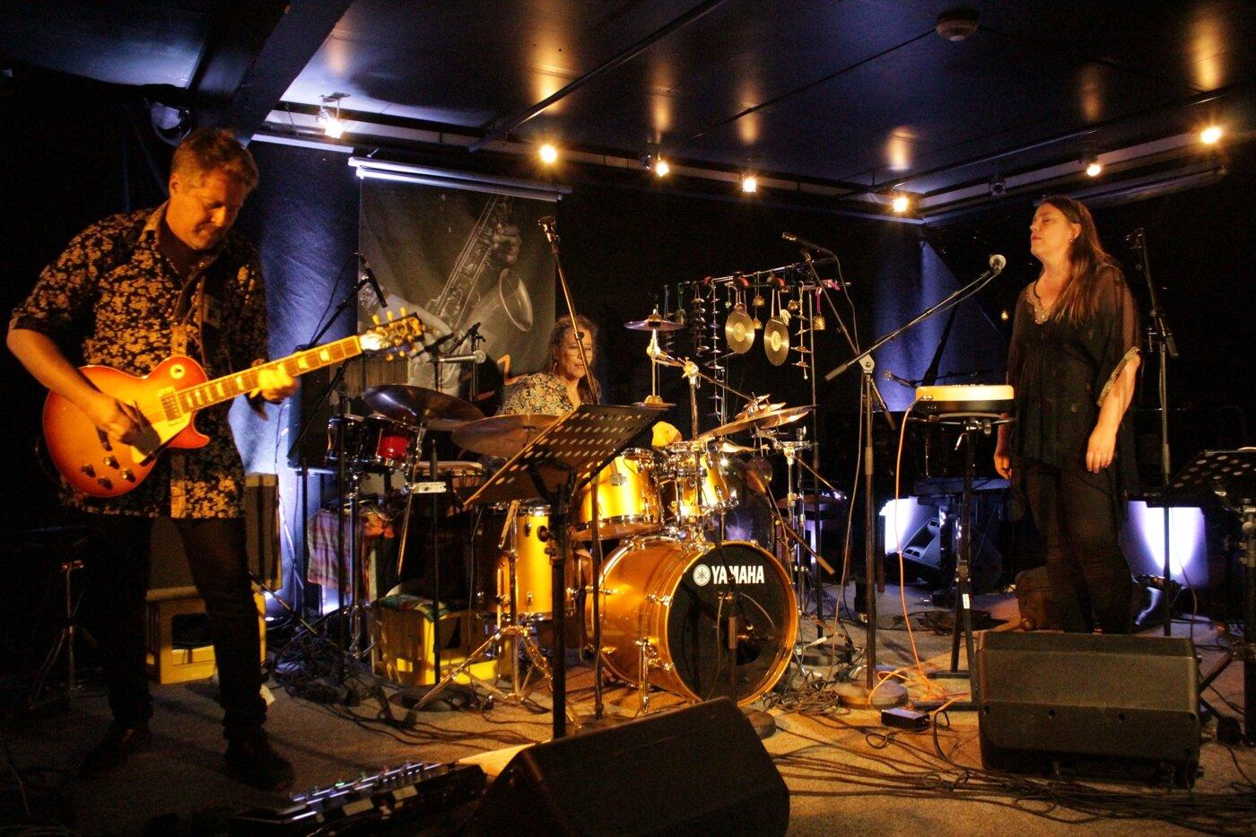 01 Marilyn Mazur Trio.jpg