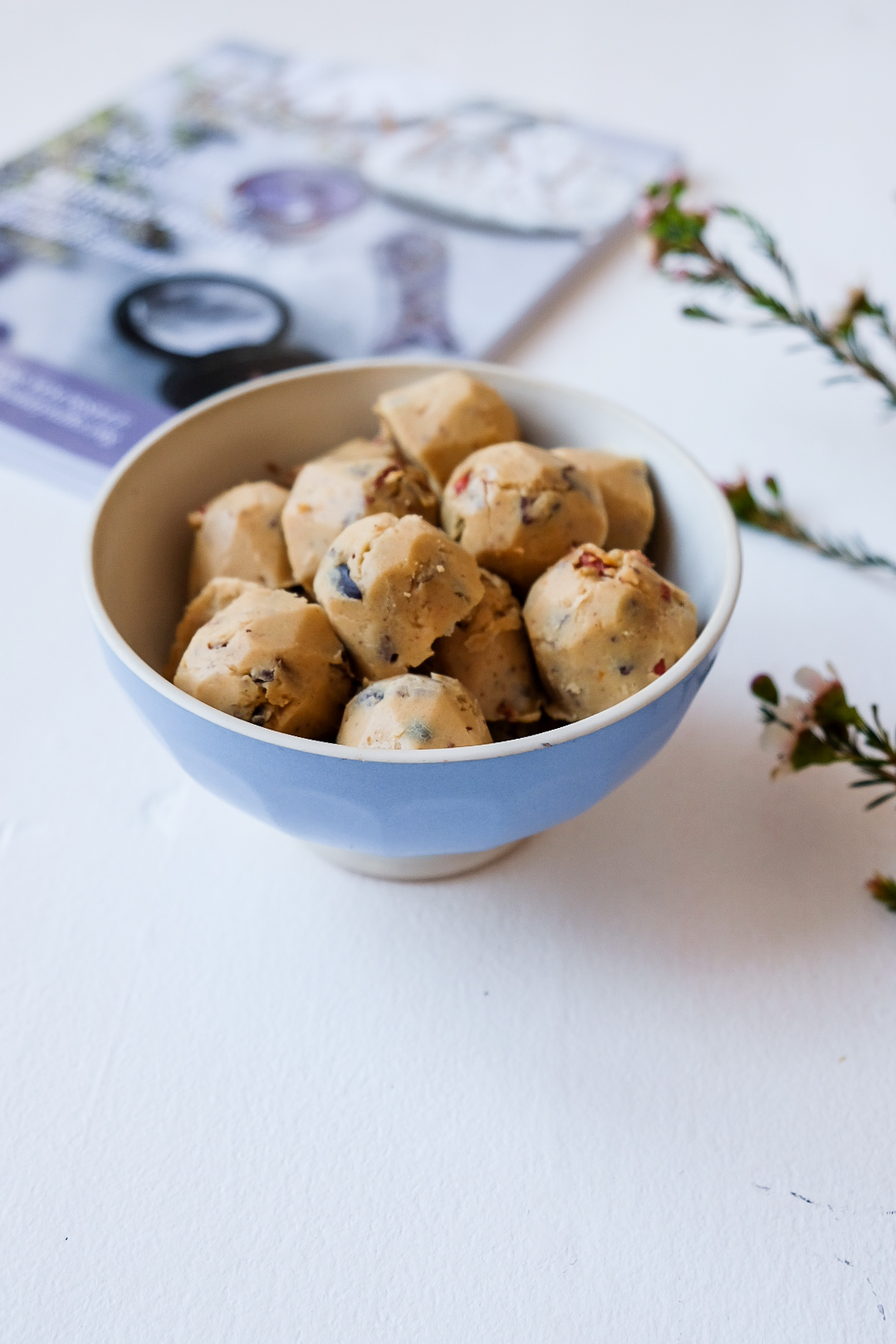 healthy cookie dough bites with chick peas chocolate chip