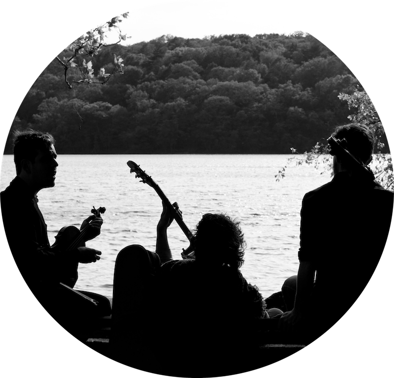 Courtesy Arc is Rob Flax, Jacob Matheus, and Rob Taylor, playing a freewheeling mix of jazz, bluegrass, and indie pop. Expect funky grooves, tight vocal harmonies, delicate instrumental interplay, and lots of joy!