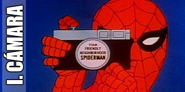 Hasta el Sorprendente Hombre Araña sabe el valor de una buena cámara...