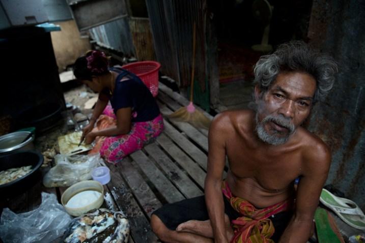 Спільнота Chao Leh (Морські Цигани) у південному Таїланді. Штормова погода, з м'яким голубуватим освітленням, на знімках має холодний вигляд. Це ідеальне світло абсолютно гармоніювало з настроєм, який мені хотілося показати на фото