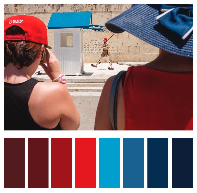 1а. Зауважте, первинні кольори не відволікають увагу від об'єкта. Використовуючи сильні основні червоний та синій, об'єкт залишаєтсья виразним для глядача