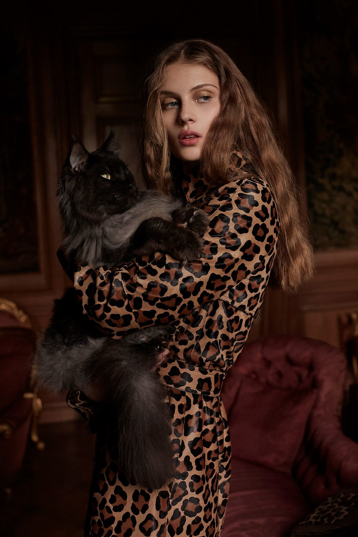 Harpers-Bazaar-UK-Septamber-2018-Florence-Kosky-Agata-Pospieszynska-14.jpg