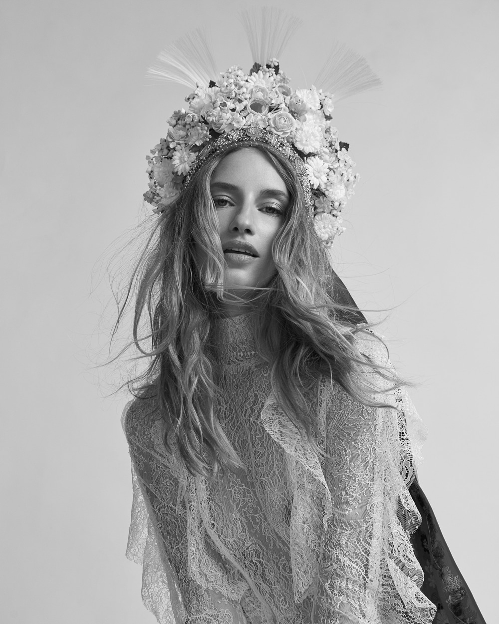 Harpers-Bazaar-Czech-October-2018-Linda-Vojtova-Andreas-Ortner-6.jpg