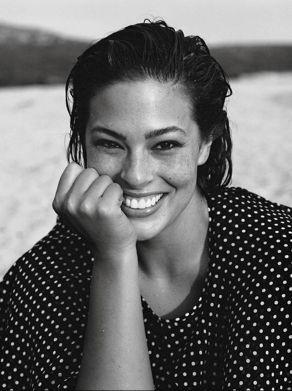 Ashley-Graham-by-Lachlan-Bailey-for-Vogue-Paris-November-2018-4.jpg