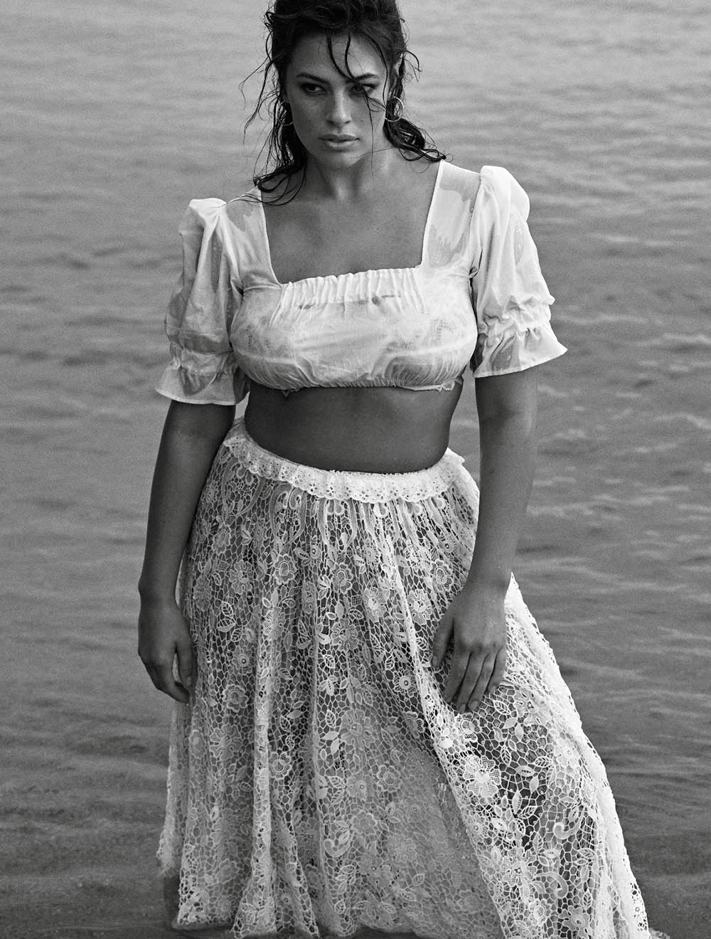 Ashley-Graham-by-Lachlan-Bailey-for-Vogue-Paris-November-2018-14.jpg