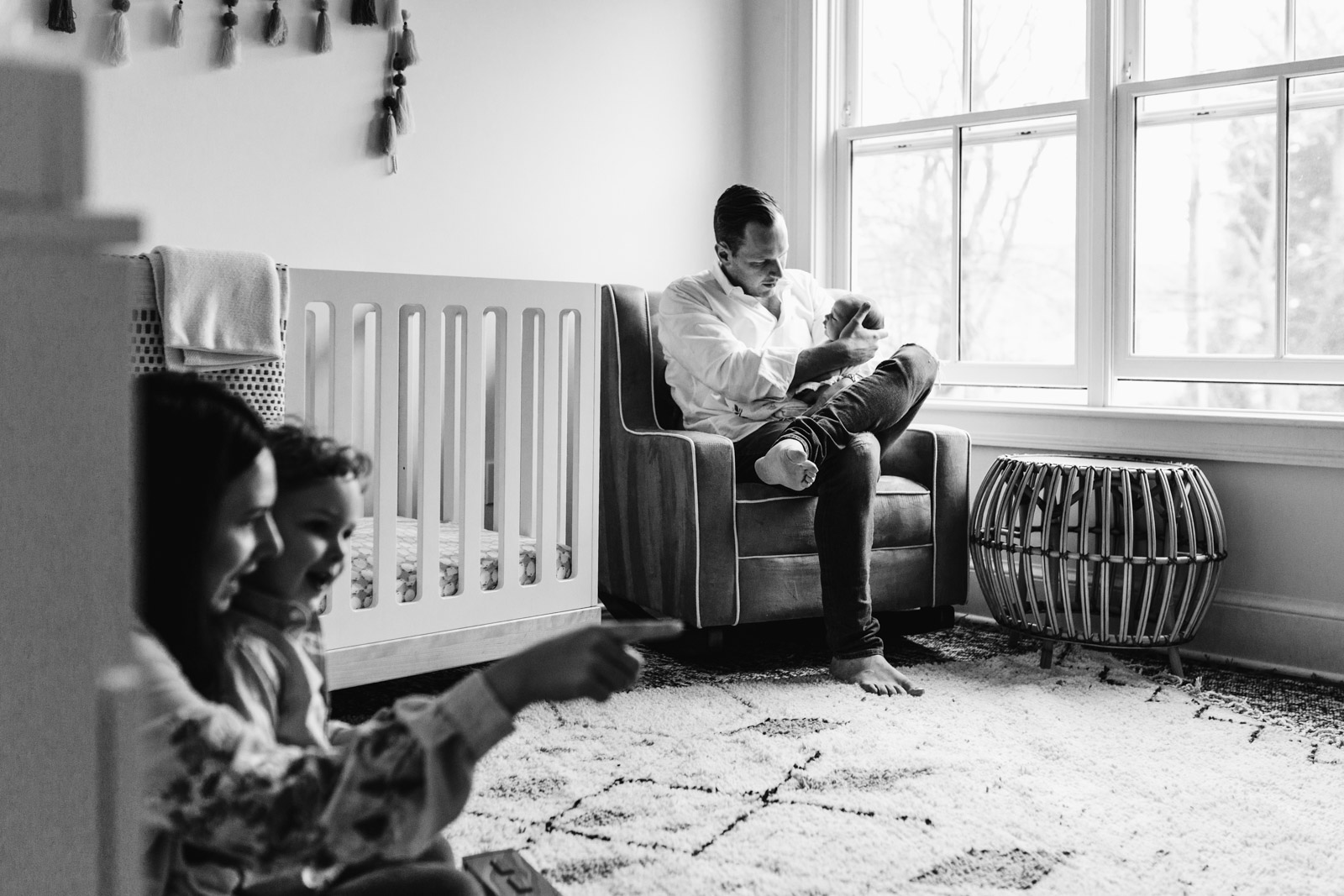 lifestyle-newborn-photography-session-laura-barr-09.jpg