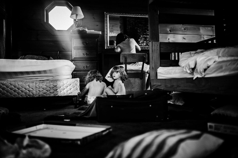 emotive-black-and-white-photography-09.jpg