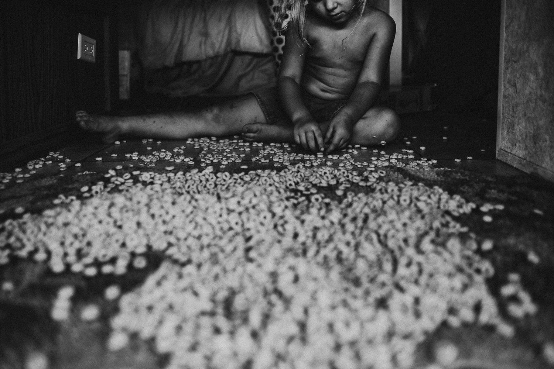 emotive-black-and-white-photography-03.jpg