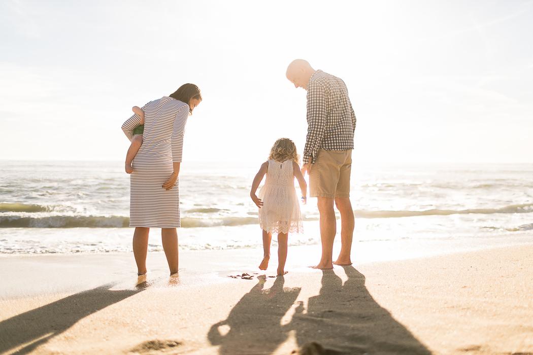 backlit-family-portrait-on-the-beach-by-Kristin-Dokoza.jpg