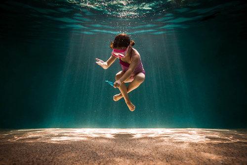 Elizabeth-blank-underwater-photography-02.jpg