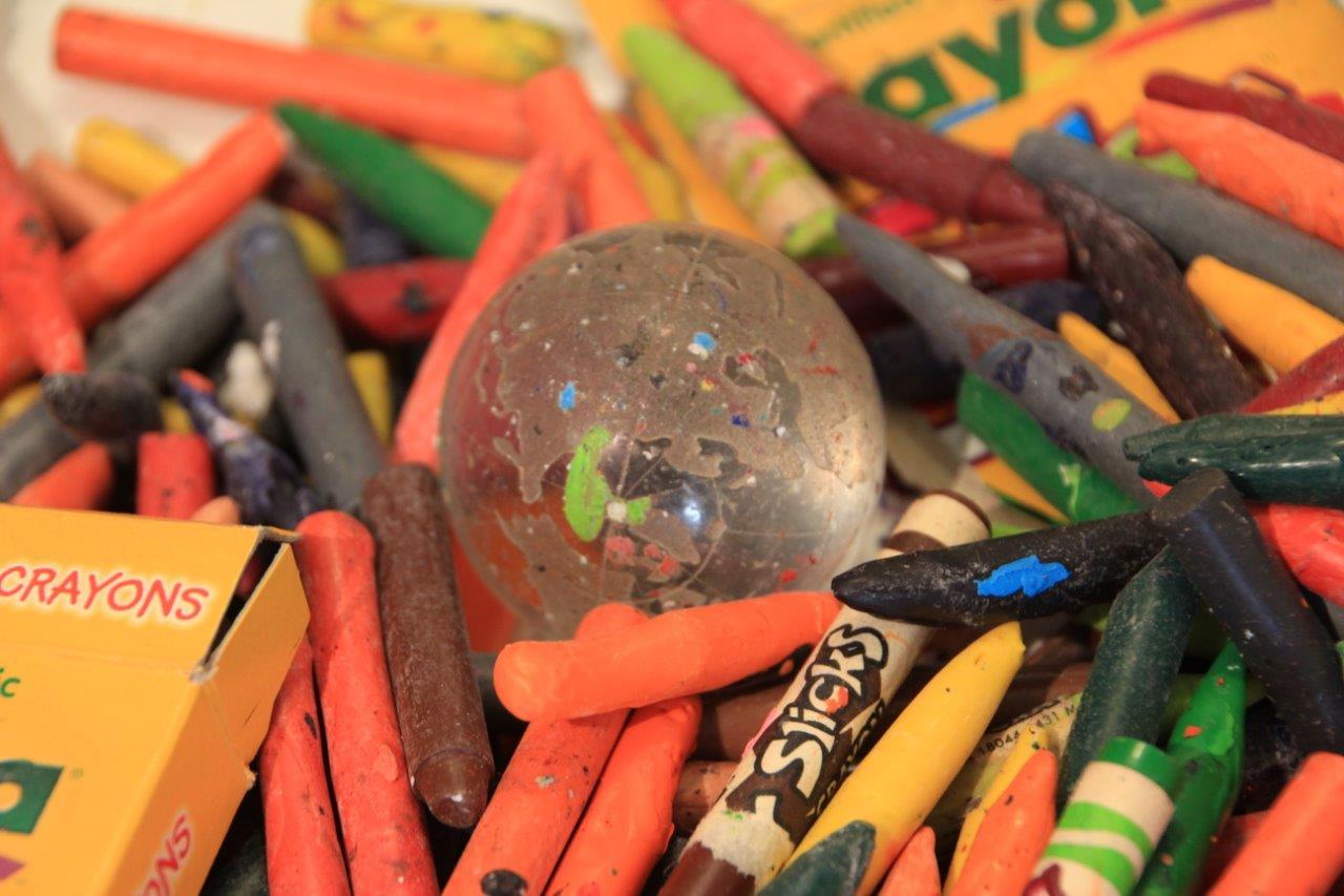 Crayon with Globe.jpg