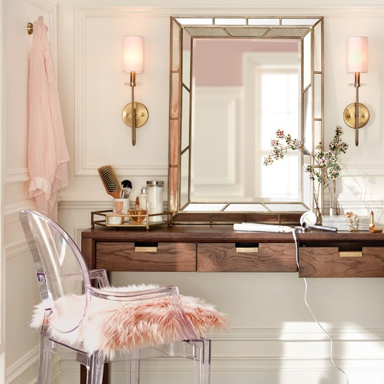 Glam Vanity for THD