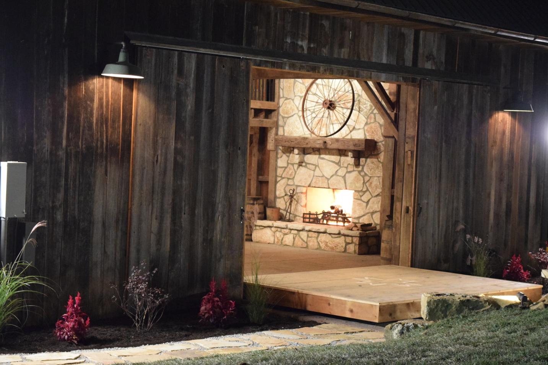 Event Barn, Indiana; Indoor/Outdoor Stage