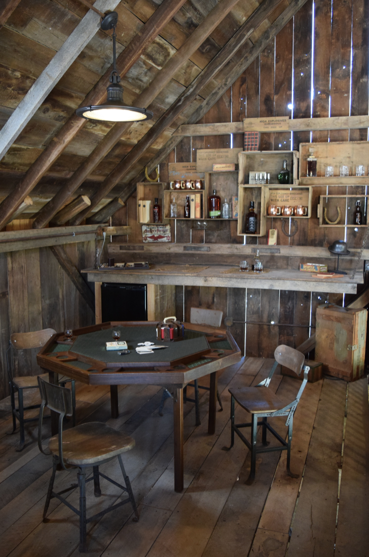 Event Barn, Indiana; Gentlemans' Lounge